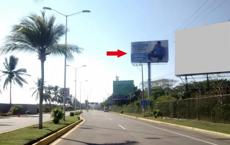 Espectacular GRO-159 en Col. La Zanja, Acapulco, Guerrero de One Marketing