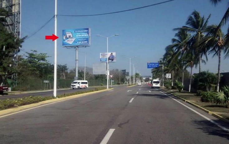 Espectacular GRO-160 en Carr. Escénica-Acapulco Aeropuerto 3 Palos  Ref. 1, Col. La Zanja, Acapulco de One Marketing