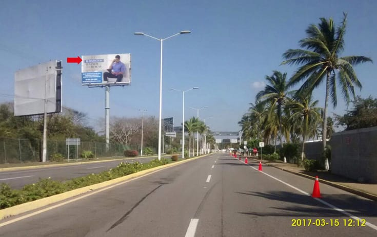 Espectacular GRO004P1 en La Zanja, Acapulco, Guerrero de One Marketing