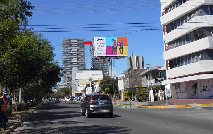 Espectacular JAL036O1 en Ladrón de Guevara, Guadalajara, Jalisco de One Marketing