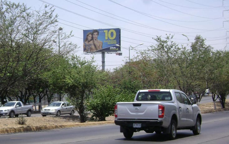 Espectacular JAL056P1 en Tlaquepaque, Jalisco de One Marketing