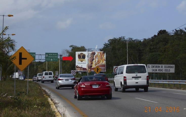 Espectacular QTR040S1 en Carr.Cancún-Puerto Morelos-Tulum Km. 335, Benito Juárez, Cancún de One Marketing