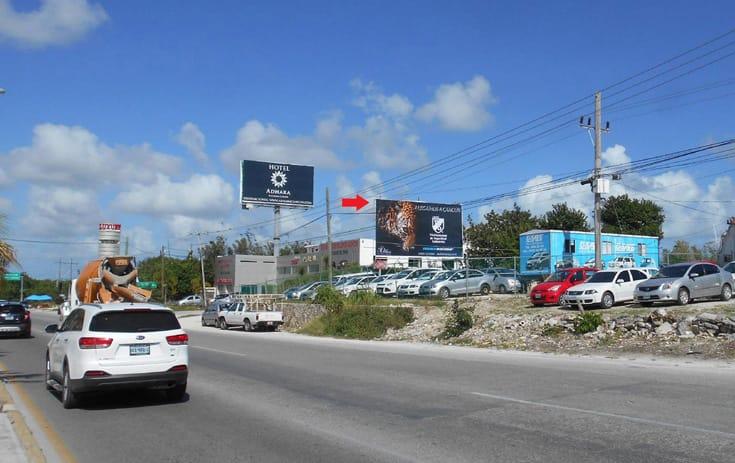 Espectacular QTR043S1 en Blvd. Luis Donaldo Colosio Entronque Aeropuerto (Hotelera), Sin Nombre, Cancún de One Marketing