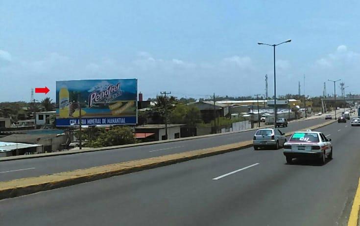 Espectacular VER048S1 en Callejón Sauce Lote 83 Autopista Coatzacoalcos-Minatitlan, Adolfo López Mateos, Coatzacoalcos de One Marketing
