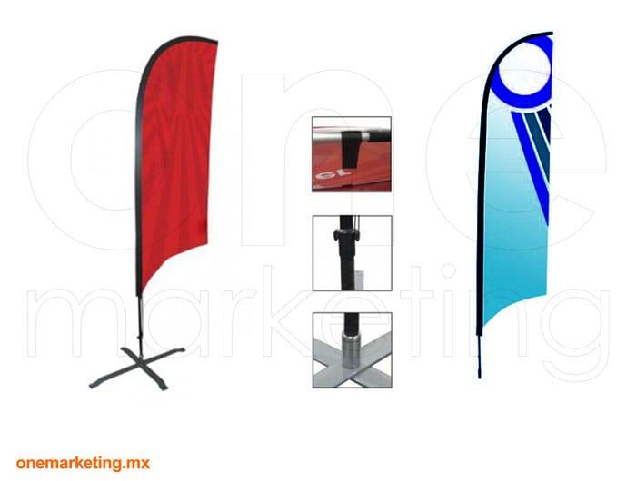 Bandera Vela de Fibra de Carbón código OM-BD-37 de One Marketing Stands y Displays