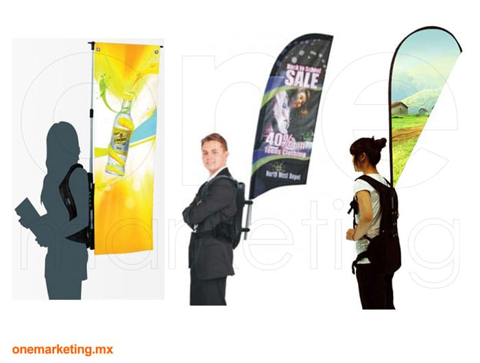Banner Mochila Bandera  de Plástico código OM-BD-18 de One Marketing Stands y Displays