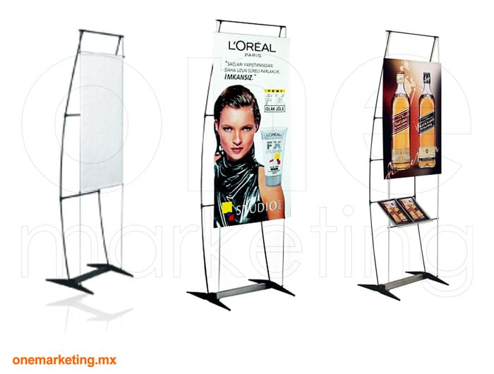 Display tipo Banner Pengüin Cable OM-OB-30 de One Marketing Expo Stands y Displays