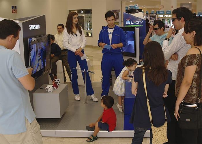 Ejemplo de Stand para Plaza con Activación para Samsung de One Marketing Expo Stands y Displays