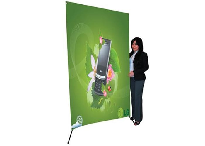 Display tipo Banner X Mega de One Marketing
